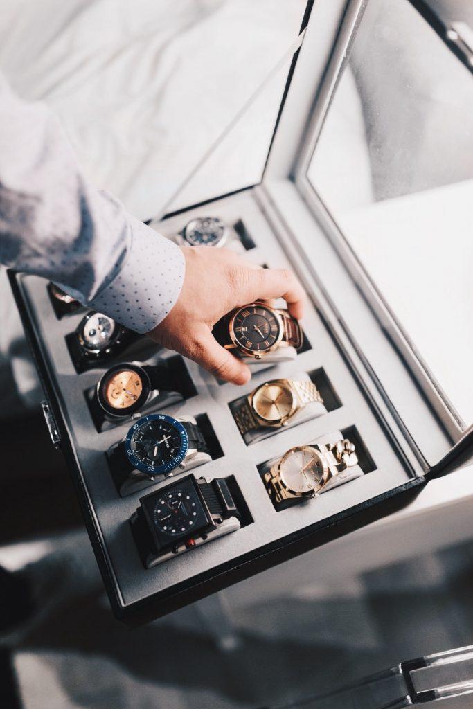 En analog klocka föredras av många äldre.