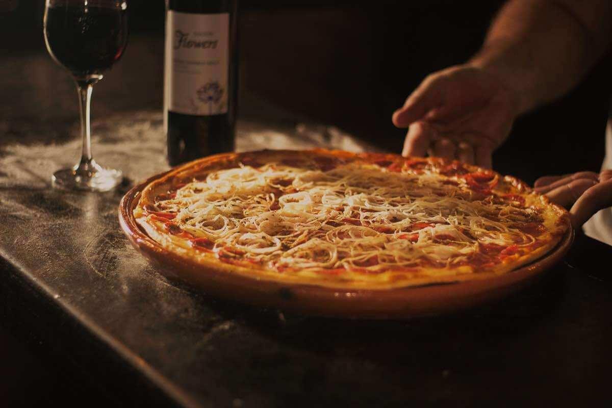 Äkta italiensk pizza direkt ur en pizzaugn!